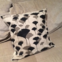 Gingo cushion